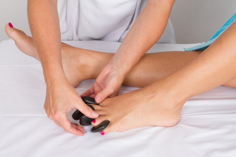 le-massage-aux-pierres-chaudes
