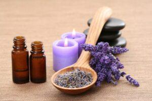Les huiles essentielles pour soigner les cheveux. - Pause ménopause