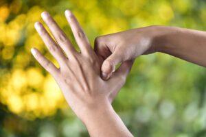 do-in-l-auto-massage-de-la-menopause
